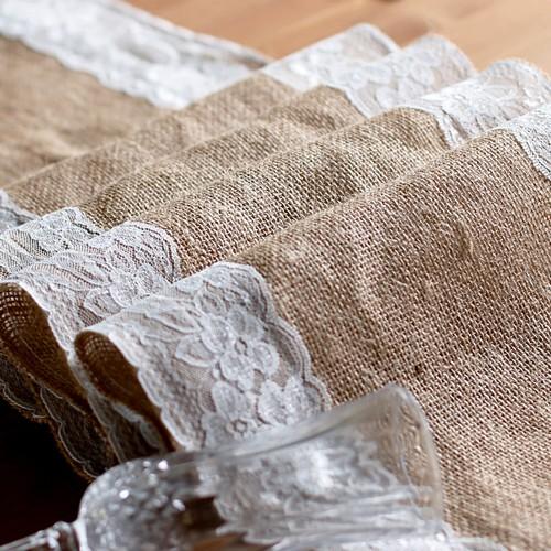 chemin de table de mariage toile de jute et dentelle accessoires de mariage. Black Bedroom Furniture Sets. Home Design Ideas